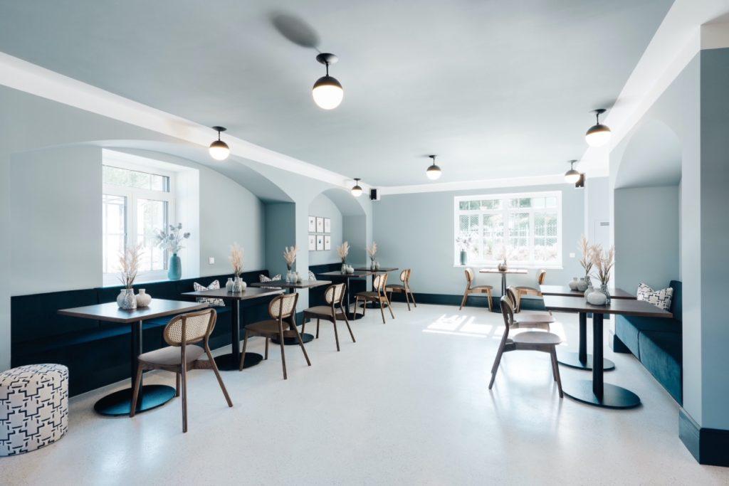 Workspace und Lounge im Parterre des The Maximilian